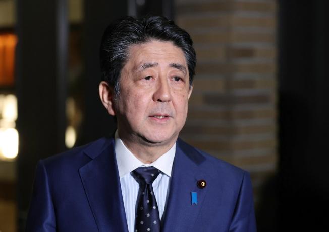 東京奧運推遲舉辦,勢必影響安倍續任首相的希望。 (歐新社)