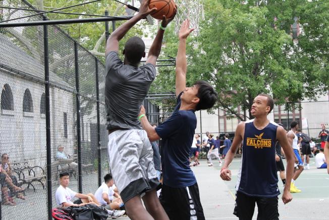 白思豪表示,禁止在全市公園球場內打籃球場。(本報檔案照)