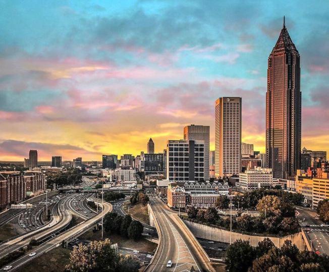 亞特蘭大市長巴頓斯發布命令,將提撥700萬元,以協助受到新冠病毒疫情影響的民眾。(亞特蘭大市政府網站)