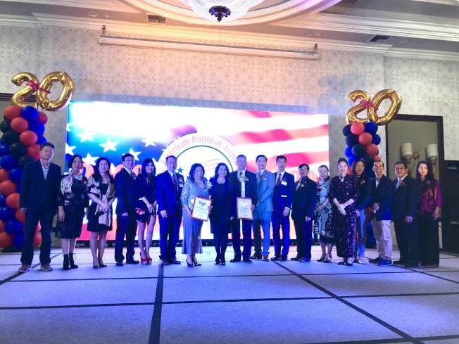 美國華人政治聯盟日前舉行第十屆理事就職典禮。(記者王若然╱攝影)
