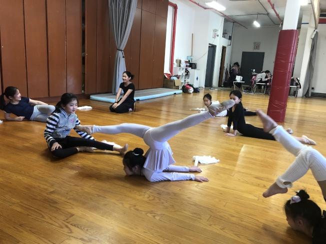 蔺婉茹2017年創立舞蹈工作室「Dance for The People」,希望把自己對舞蹈的熱愛傳授給更多人。(蔺婉茹提供)