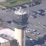 約翰韋恩機場航管經理確診 塔台關閉