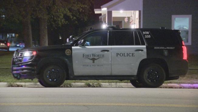福和市警方說,他們不會因為居家令在街頭抓人,但會勸導市民不要聚集。(FOX4電視台)