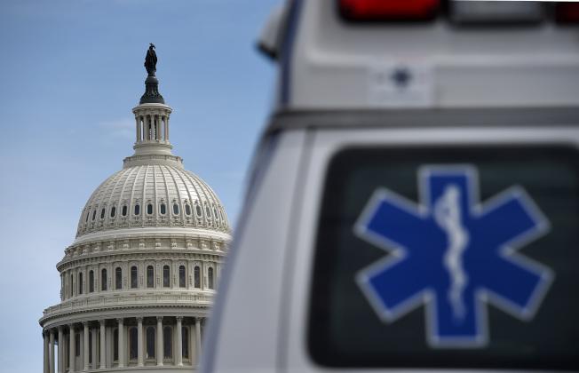 美國實施2兆元紓困措施,希望為美國不振的經濟傾注一劑強心針。(Getty Images)