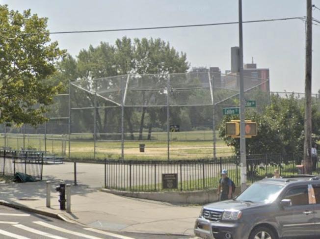 法拉盛凱辛納走廊公園內發現屍體。圖/截取自谷歌地圖