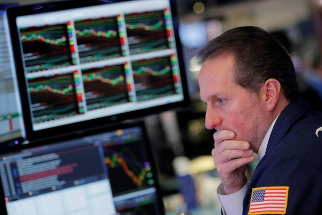 美國股市劇烈震盪,令投資人摸不著頭緒。(路透)