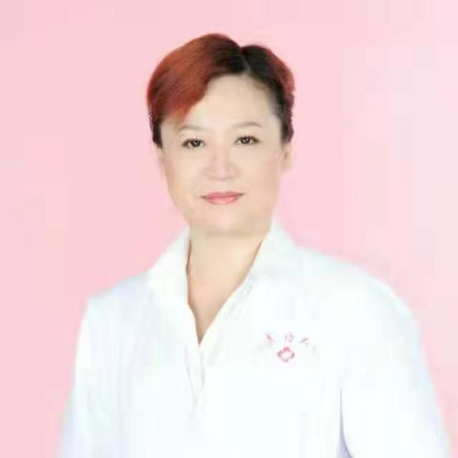 張濬安是中國大陸黑龍江中醫藥大學博士,在台灣和中國兩岸行醫多年。(張濬安提供)