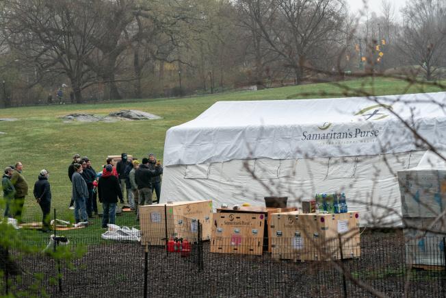 昔日令紐約客驕傲的景點中央公園,現人煙稀少,暫成為緊急救命的據點。路透