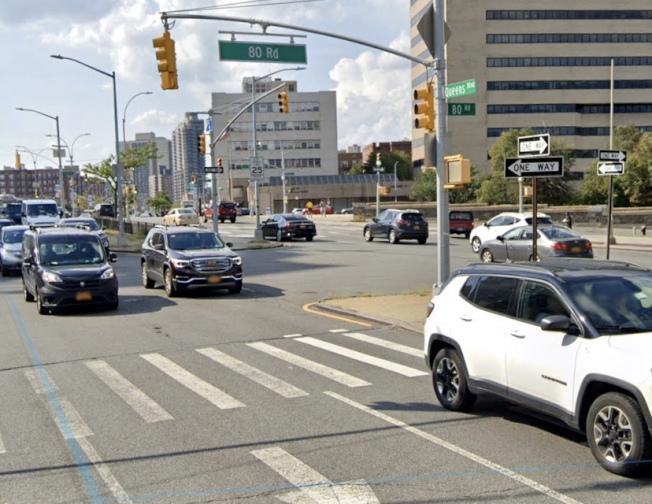 男子駕車在皇后大道撞傷行人後逃逸。(谷歌地圖)