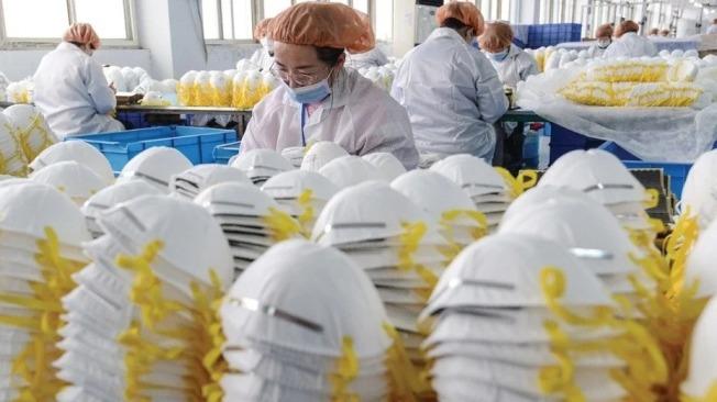 歐洲多個國家向中國進口檢測試劑盒和口罩。(路透)