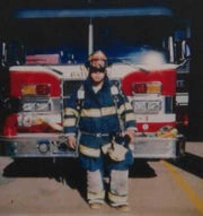 新州消防員Israel Tolentino染疫殉職。(Hector Lora)