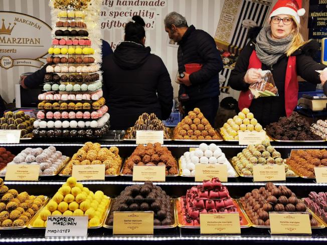 耶誕市集種類繁多的甜點。(圖:作者提供)