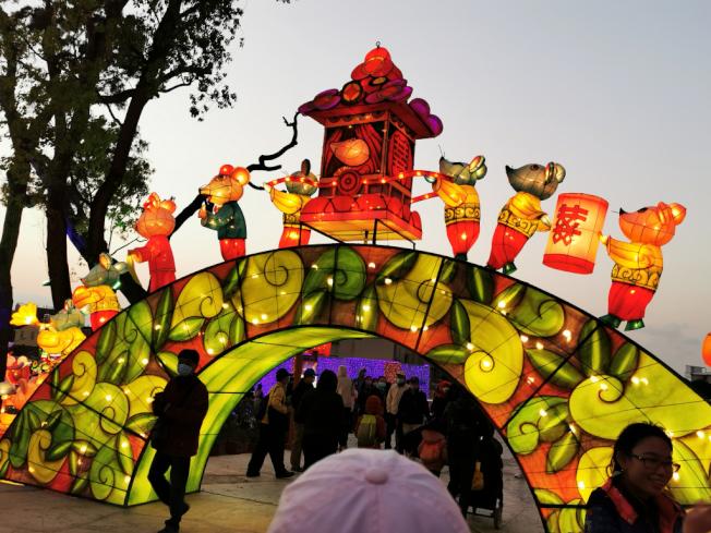 中國民間傳奇「老鼠成親」以各種形式登場台中燈會。(圖:作者提供)