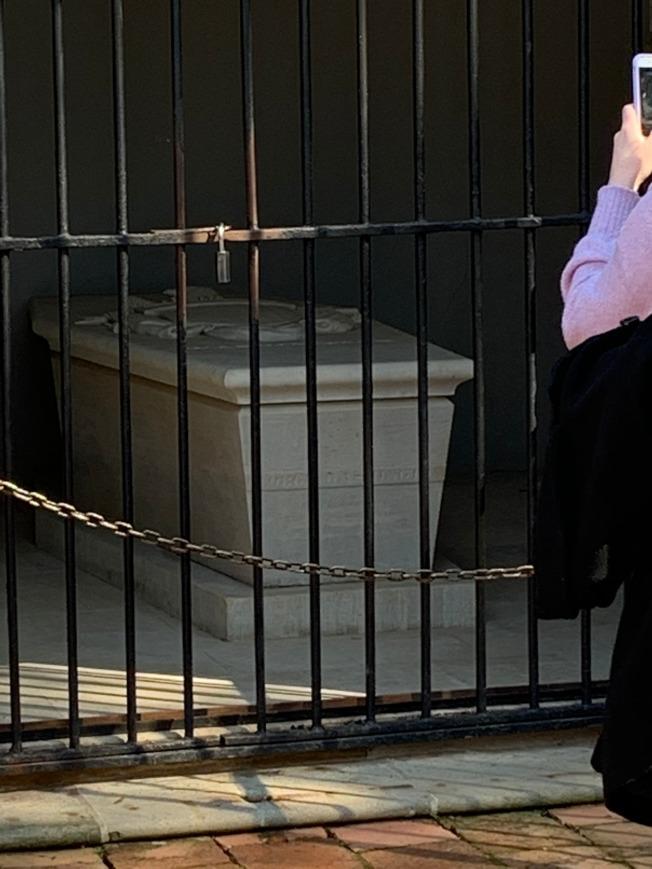 華盛頓的大理石靈柩。 (圖:作者提供)