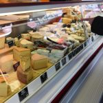 民情大不同!乳酪、菸草、隱形眼鏡…全列抗疫「必需品」