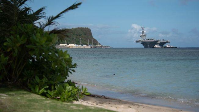 羅斯福號航母上的官兵感染嚴重,已經泊靠關島。(羅斯福號推特)