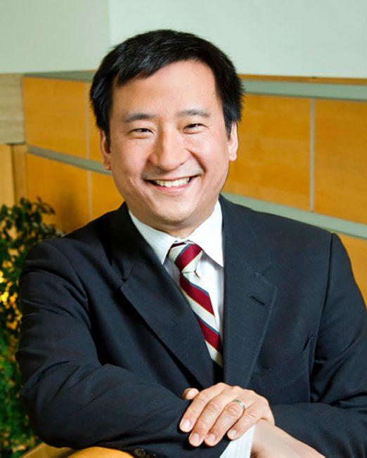 首位華裔 吳華揚任皇后學院校長