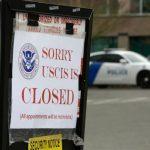 減緩病毒傳播 國務院停發護照 移民局暫關服務