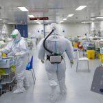疫情期間發燒 中國專家張文宏 :這兩件事特別重要