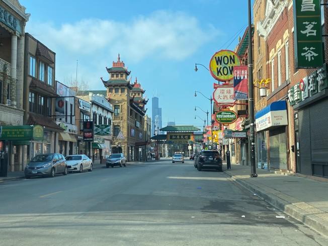 芝加哥華埠地區的中餐館,有不少連外賣生意都告停,員工也都失業了。(特派員黃惠玲/攝影)