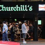 香港酒吧拉閘14天 有業者變身食肆照開