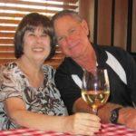 結婚51年夫婦染新冠 先後相隔6分鐘離世