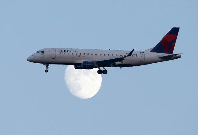 「股神」巴菲特的波克夏公司表示出售了達美航空公司的部分持股。(路透)