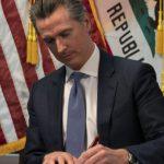 州長紐森簽署抗疫行政令:絕對不可斷水