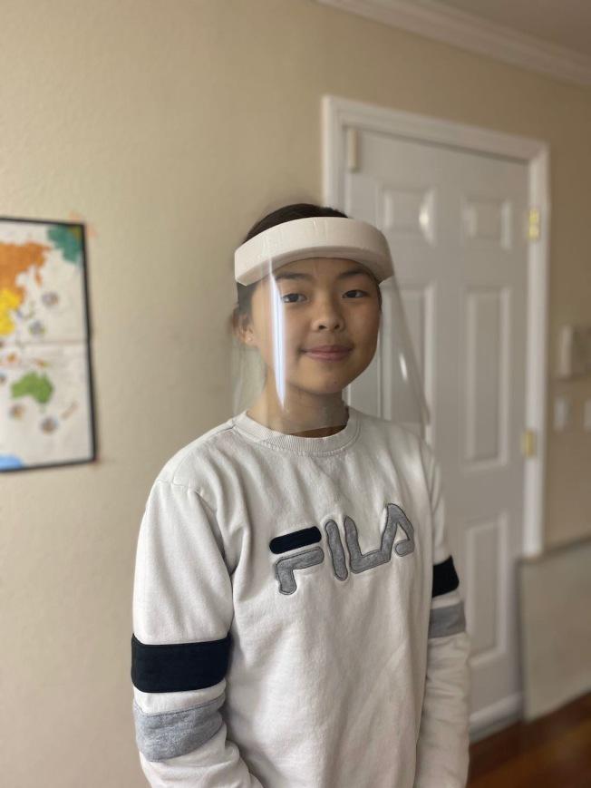 學生自製面罩,送給醫護。(當事人提供)
