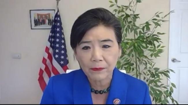 國會議員趙美心鼓勵中小企業業者繼續嘗試申請貸款計畫。(記者謝雨珊/攝影)