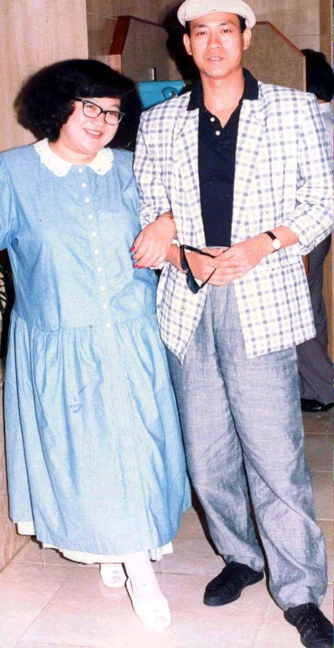 沈殿霞(左)與鄭少秋的情事風波讓男方貼上「負心漢」標籤,鄭少秋事隔30多年後為自己澄清。(本報資料照片)