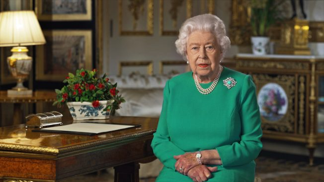 世界卫生日 英女王发声感谢与致敬全球医护人员