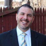 紐約42歲校長新冠離世 妻FaceTime播婚禮曲相伴到最後