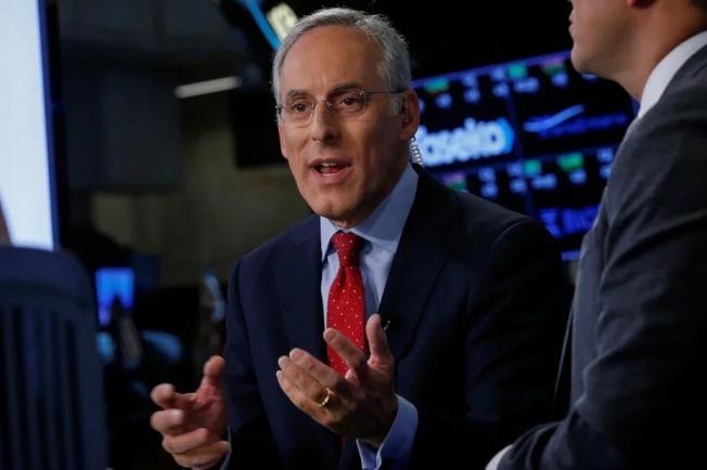高盛首席美股策略師柯斯汀(David Kostin)認為美股仍有下跌風險。路透