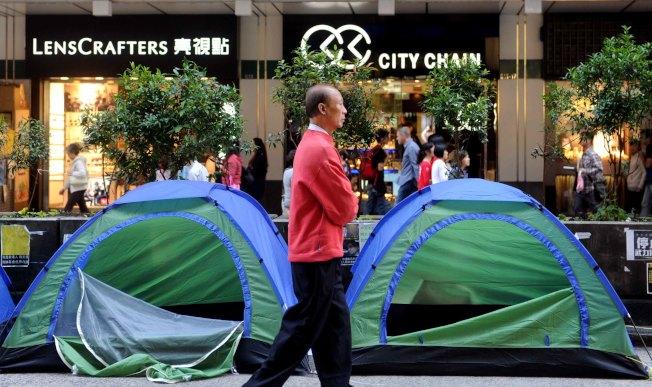香港2014年佔領中環運動期間(圖),7名警務人員於涉在金鐘「暗角」毆打民眾。(中通社資料照片)