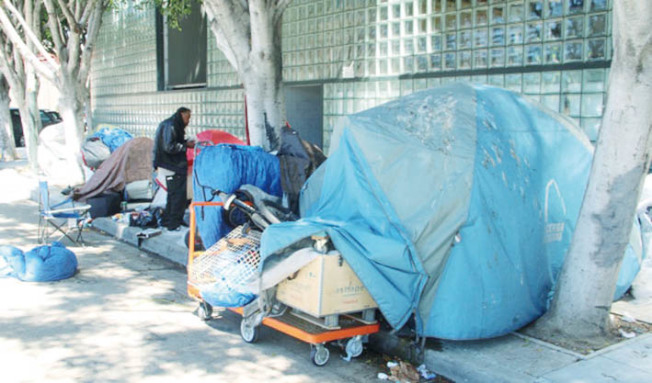 舊金山遊民危機嚴重,疫情期間如何管制也成為難題。(記者李晗/攝影)