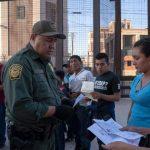 CBP探員等160人確診 偷渡客只剩四成