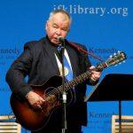鄉村歌曲名家約翰普萊恩去世 起因是肺炎併發症