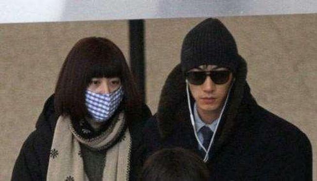 張亮與前妻寇靜再被質疑「假離婚」。 (取材自微博)