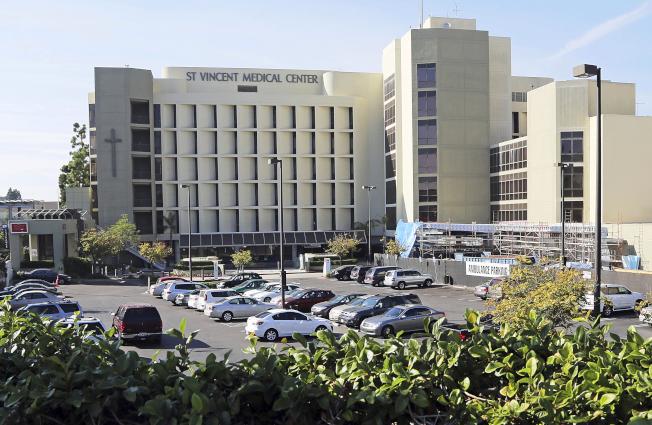 從佛蒙特州到洛杉磯,地方政府紛紛徵用已停業的醫院來擴大醫療空間,以因應新冠肺炎疫情。美聯社