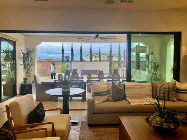 Shea Homes在橙縣杭廷頓灘(Huntington Beach)興建的Parkside Estates,有三種戶型,室內面積3496至4074平方呎,四至六臥,4.5至5.5浴,售價自170萬元起。(記者胡清揚/攝影)
