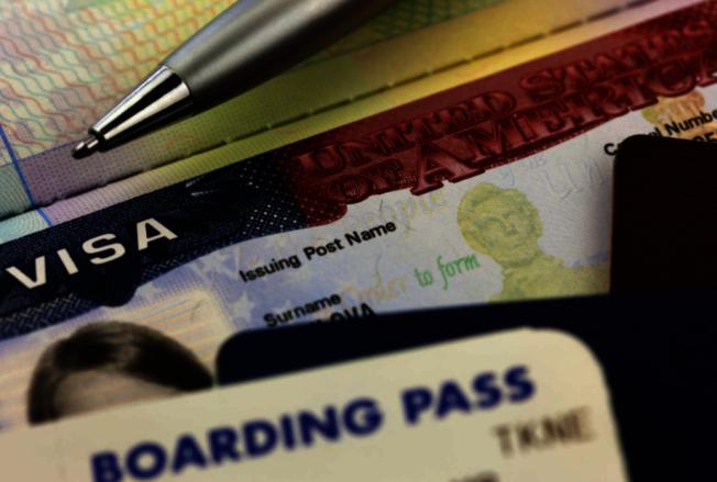 移民局今年首次採用電子註冊系統抽籤,簡化作業程序提高效率。(Getty Image)