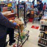 降低收銀員感染風險 超市禁止顧客使用環保袋