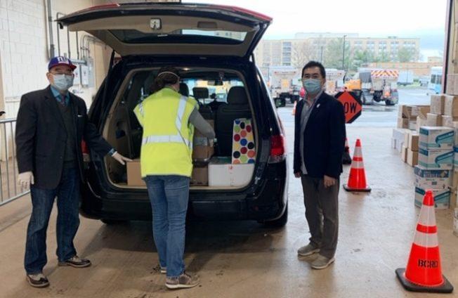 新泽西台湾商会 向新州医院捐赠口罩