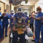 婦人新冠康復出院 護士夾道歡送