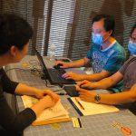 華人申請紓困遇障礙 義工出手相助