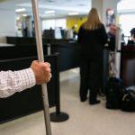 達福機場增兩安檢員 感染新冠