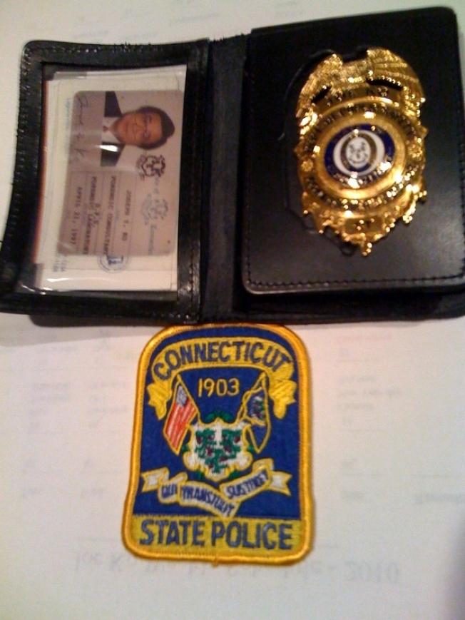 柯約瑟在康州參加李昌鈺刑偵調查團義警時的警徽。(受訪者提供)