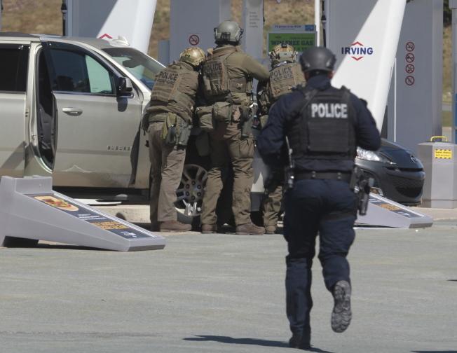 加拿大諾瓦斯科細亞省爆槍案,槍手射殺至少16人。(美聯社)