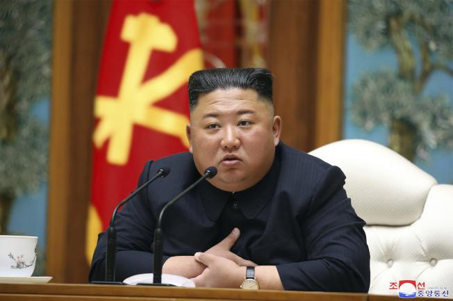 金正恩11日出席北韓勞動黨政治局委員會會議。美聯社